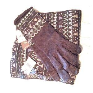 JJILL matching smart gloves & scarf.